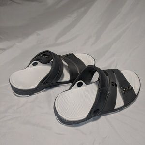 Shoes - beach Sandals